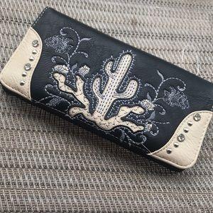 Montana West wallet with 2 zipper pockets